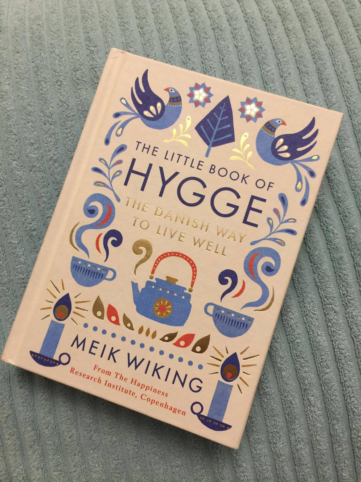 top-5-holiday-reads-the-little-book-of-hygge