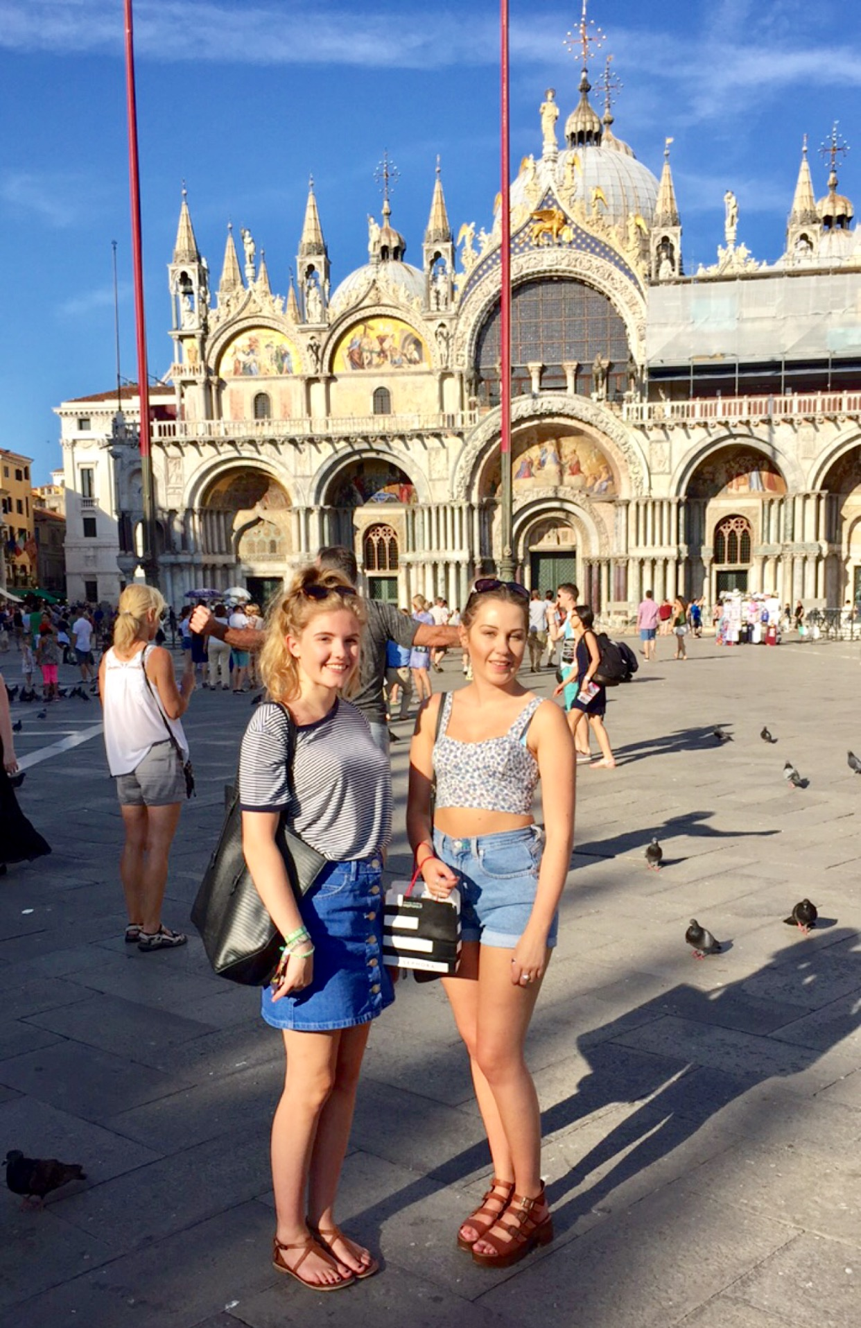 venice-in-summer-a-city-guide-girls-in-st-marks-square